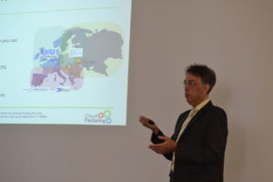 André Stark presenting the opportunities in the CloudiFacturing project.